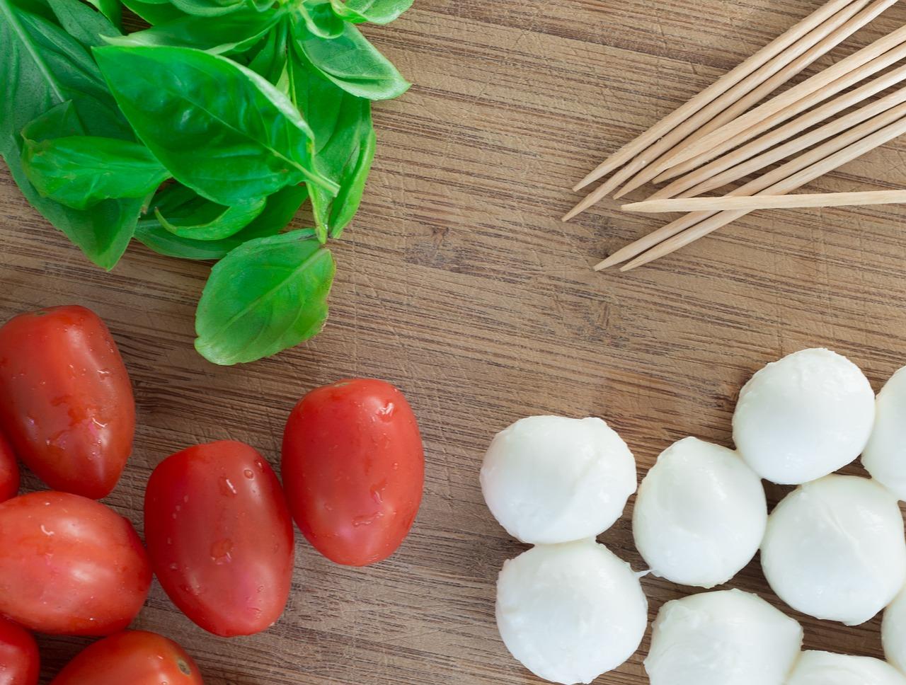 gesunde Snacks für Abends Tomate Mozarella